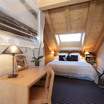 chalet-les-griottes-meribel-bedroom-2